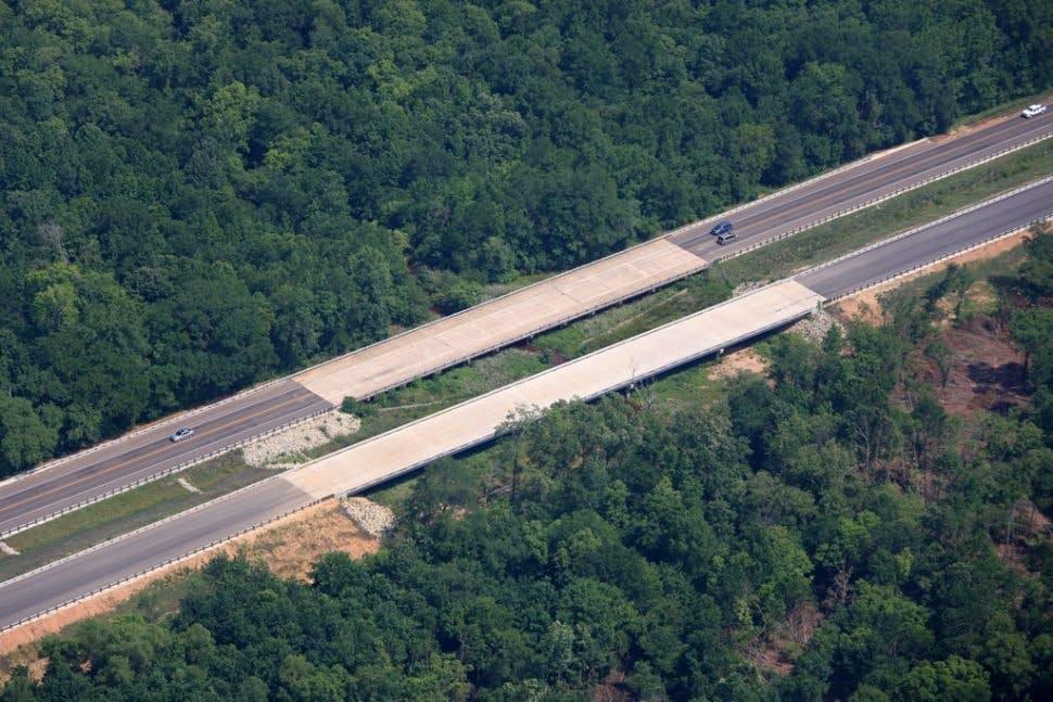 Highway/Ralway 3