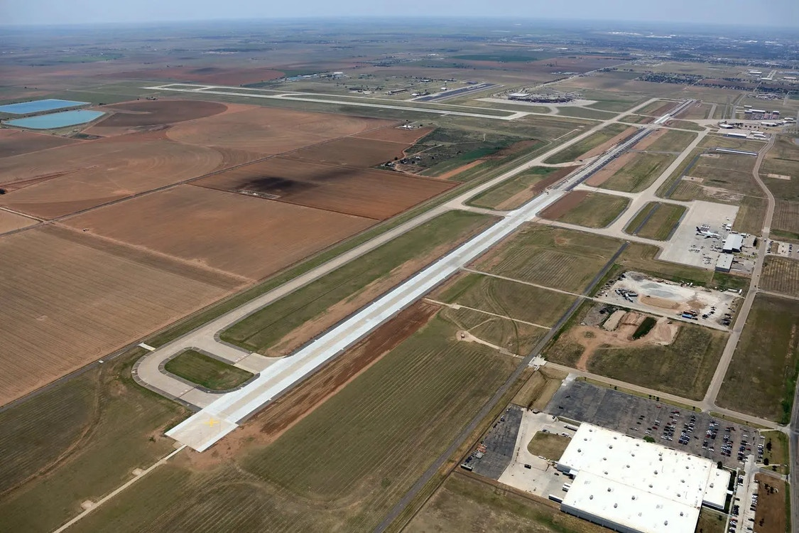 Lubbock Preston Smith International Airport Runway 17R-35L
