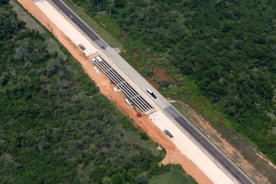 Highway/Ralway 1