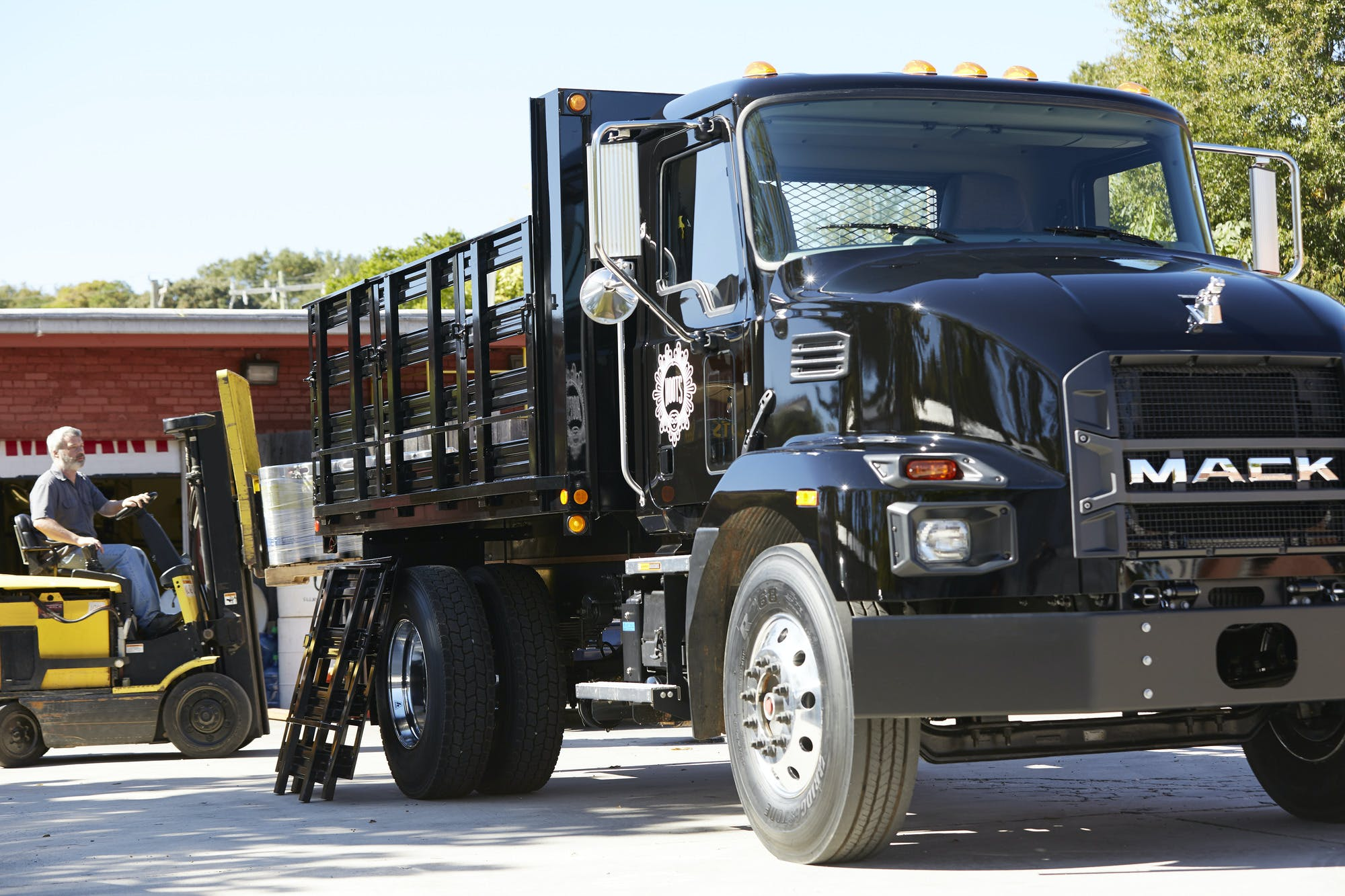 Mack Trucks enters Medium Duty Market cover image