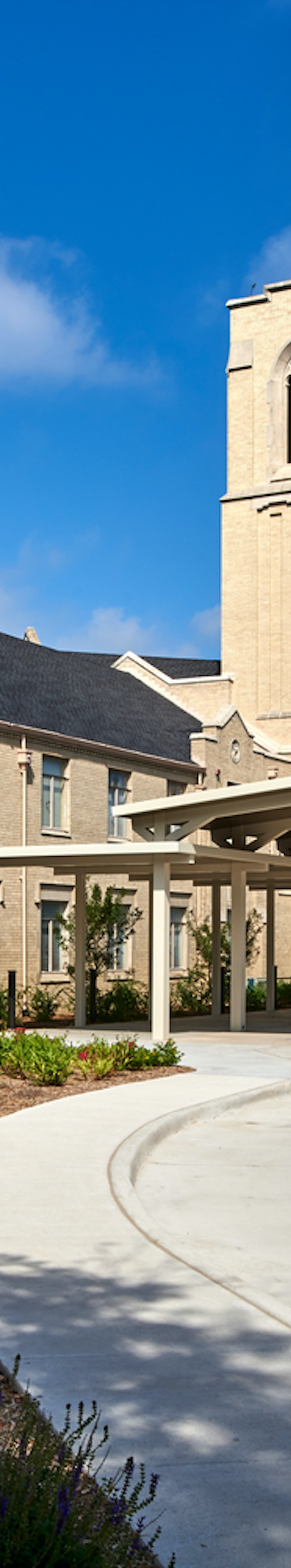 First United Methodist Church Waxahachie Parking Lot And Front Facade