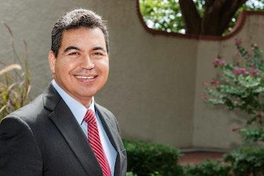 K12 Education: Get to Know Hector De Santiago